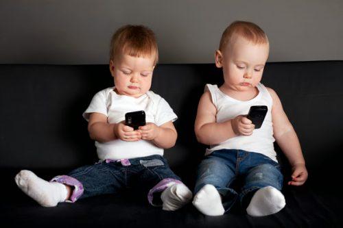 Bambini, qual è l'età per avere lo smartphone